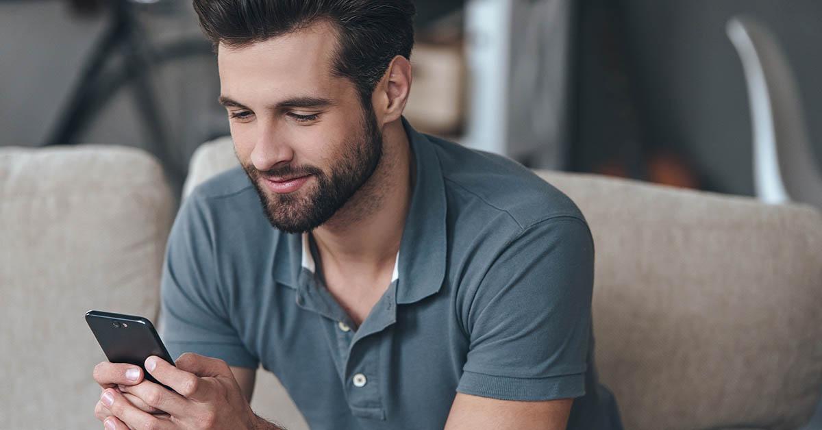 Guy avoiding online dating rejection